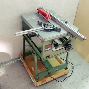 saw in a workshop