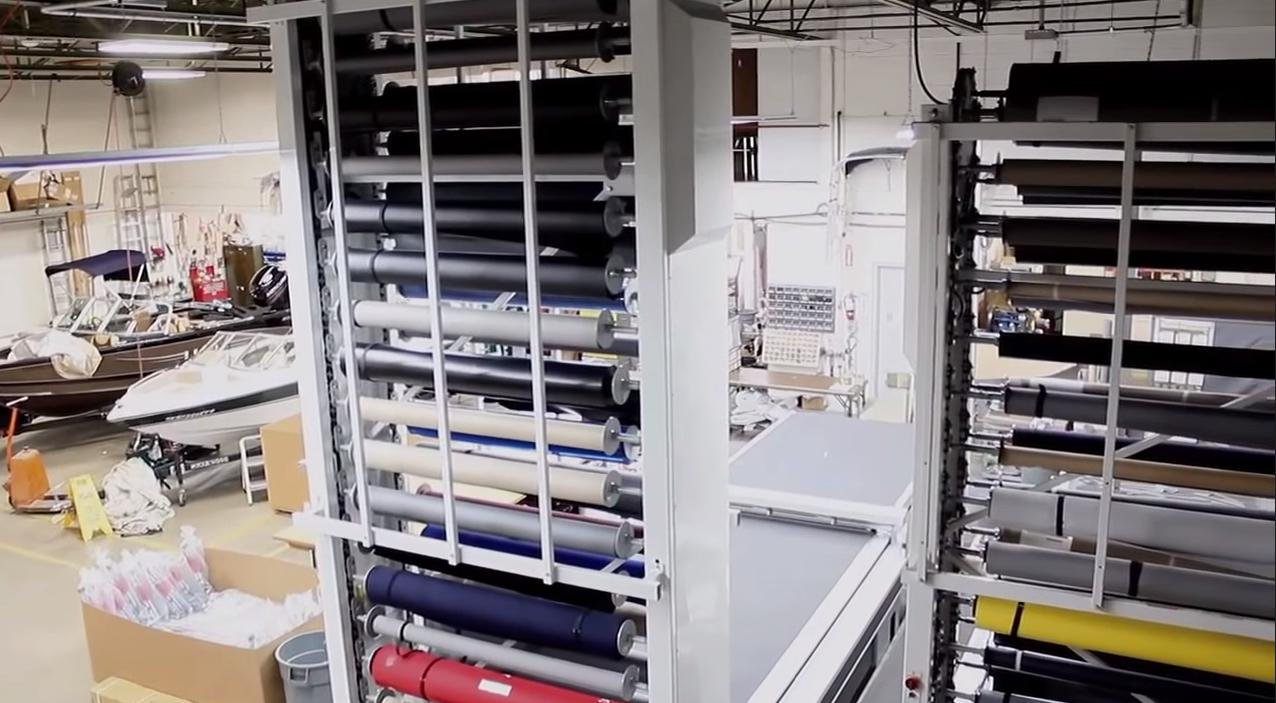 Store material place saving with a Vertical patanoster