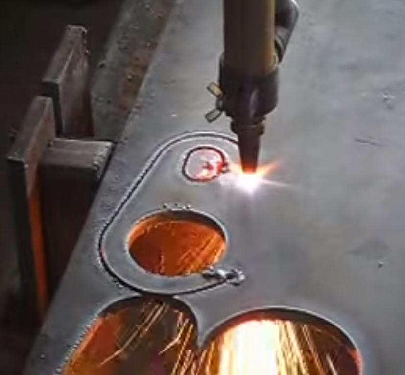 Gas cutting equipment under operation