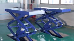 scissor-lift in workshop