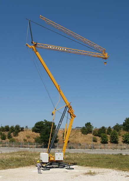 LIEBHERR fast eracting crane