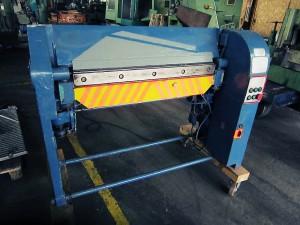 Schwenkbiegemaschine in der Metallindustrie