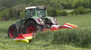 mähwerk mit traktor