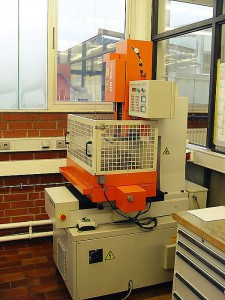 Startlocherodiermaschine - Hersteller CHARMILLES