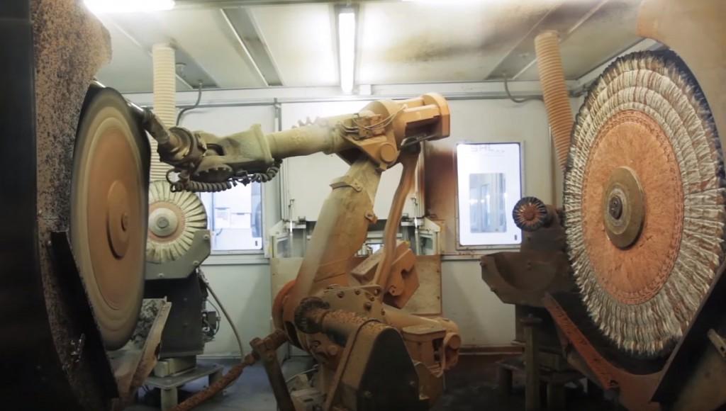 Industrieroboter-in-Fertigung