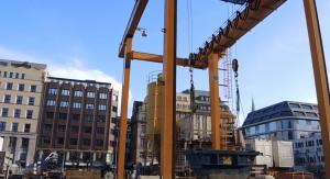 Hafenkran auf Baustelle