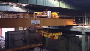 Brückenkran in Industriehalle