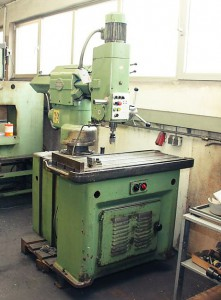 gebrauchte Schnellradialbohrmaschine Marke DONAU