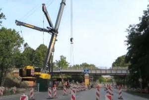 Mobiler Kran auf Baustelle